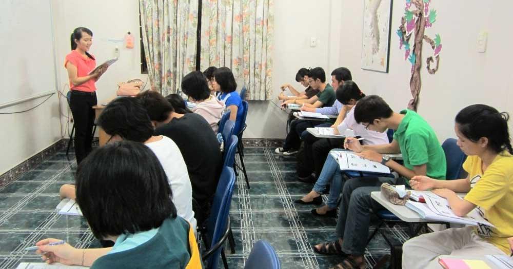 Học viên được trải nghiệm phương pháp học tiếng Trung song song giữa nói và viết tại trung tâm TiengTrung.vn